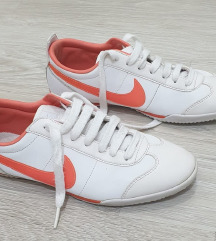 Nike патики женски број 39