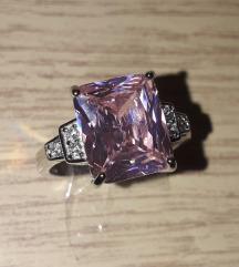 Nov posrebren prsten 925