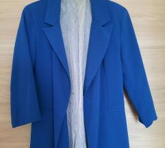 Плаво сако