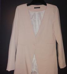 Светло розово сако