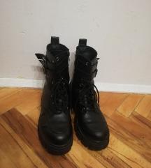 Црни чизми ~ Фраерски :)