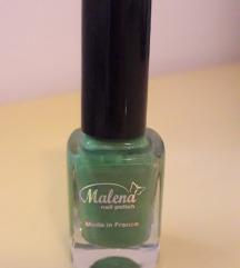 Зелен лак за нокти