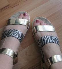 Убави и удобни летни сандалки