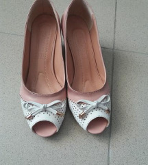 Novi Karino shoes otvoreni cevli 39