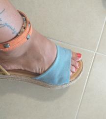 Prodavam NOVI sandali