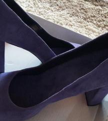 Виолетови штикли