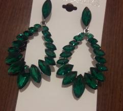 Smaragdno zeleno