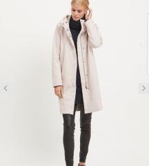 Најубав розе капут