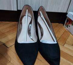 Чевли со број 40