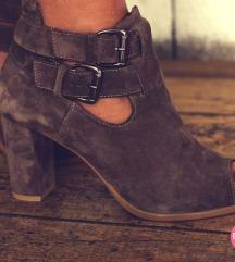 Novi nenoseni kozni sandali