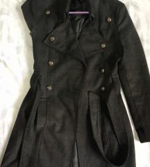 namaleno temno sivo palto