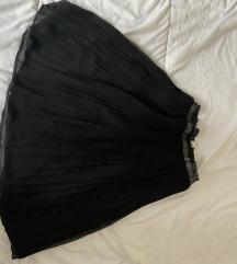 Crna suknja nad kolena
