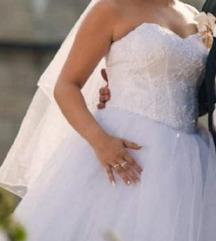 Преубава венчаница 10.000 ден 38/40