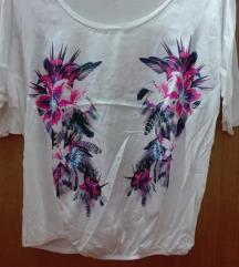 *130*Bluza so cvetovi