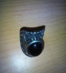 Nov prsten