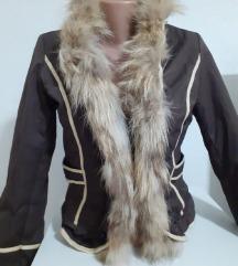 Кратка јакничка со крзно
