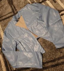 Plava skaj jakna so ETIKETA