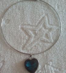 Nova posrebrena ogrlica so srce