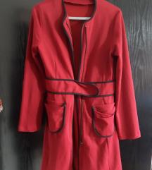 Долго бордо палто на закопчување