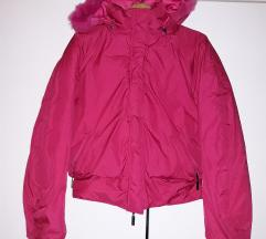 Zimska jakna so perduvi