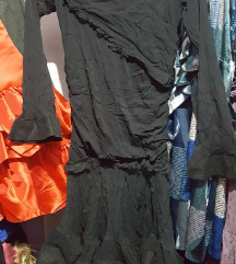 Crn unikaten fustan