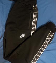 *NEW* Nike sweatpants ❤️