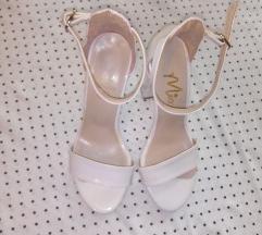 Бели сандали