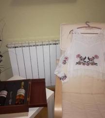 Блуза - најтипска на светот