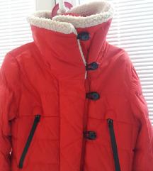 zimska jakna crvena
