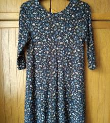 теген фустанлче со ситни цветови