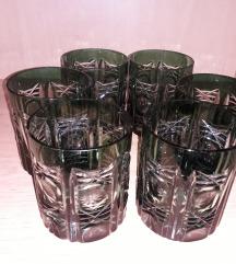 Зелени чаши
