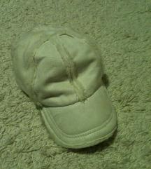 kapa bela so krzno