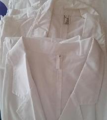 Novi beli mantili, tri za 850 den