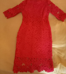 Свечен чипкан фустан