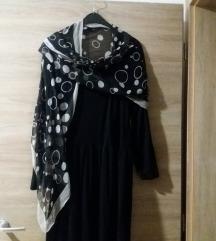 Dolg fustan za pokrupni ili bremeni dami