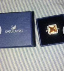 Nov srebren prsten Swarovski