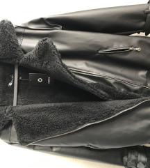 Зимска кожна јакна со крзно