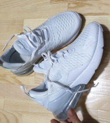 Rezz Nike 270 patiki