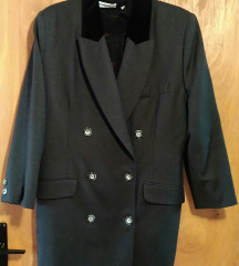 Temno sivo palto