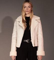 Bershka moderna jakna