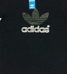 Adidas maica