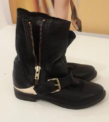 Женски кратки чизми АЛДО број 37