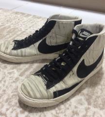 Nike  25 cm