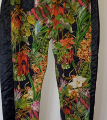 *700*Moderni brend pantaloni Just Rhyse br.XL