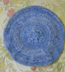 Plava svilena beretka