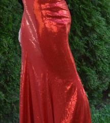 crven svecen dolg fustan
