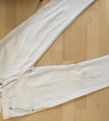 Панталони бели нови