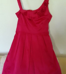 нов сатенски фустан
