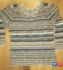 Дезениран џемпер - 50%од објавената цена