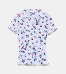 Кул летна кошула со цветчиња